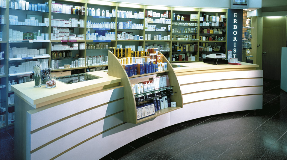 Farmacia bottari pistoia arredamenti su misura per bar for Arredo farmacia usato