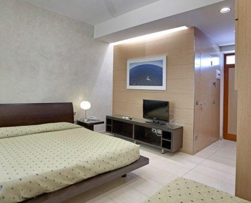 Arredamenti per hotel alberghi e centri benessere for Arredamento camere hotel