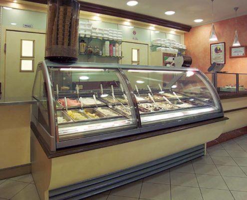 Arredamento per gelaterie e yogurterie for Capriccio arredamenti