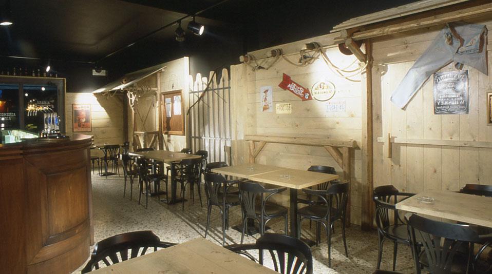 Pub marginone altopascio lu arredamenti su misura per bar ristoranti hotel e negozi in for Pub arredamento