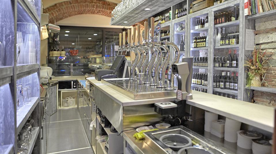 Paninoteca mediceo pisa arredamenti su misura per bar for L arreda negozi pisa