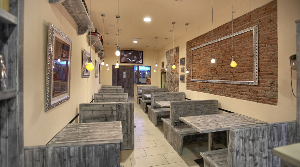 Paninoteca mediceo pisa arredamenti su misura per bar for Arredamenti bar ristoranti