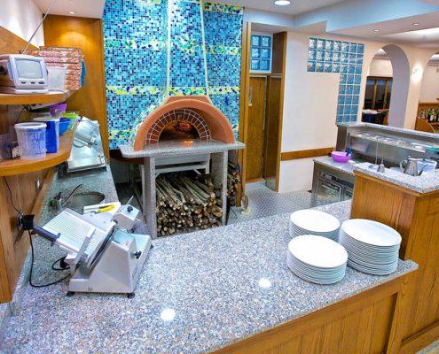 Produzione diretta arredamenti per ristoranti e pizzerie for Arredare pizzeria