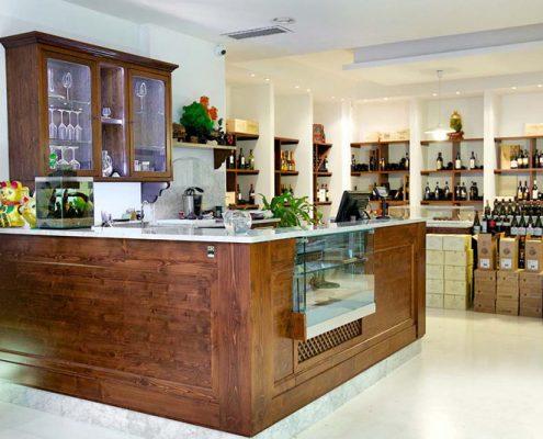 Arredamenti per enoteche wine bar for Arredamento enoteca wine bar