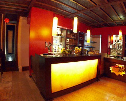 Arredamenti per enoteche wine bar for Arredamento wine bar