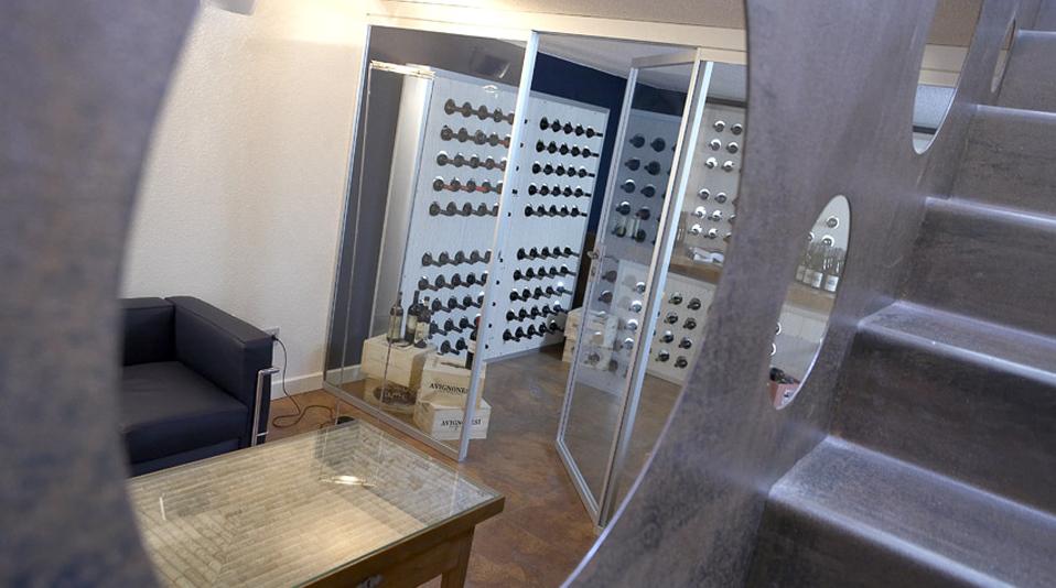 Arredamento area enoteca hotel for Arredamento enoteca usato