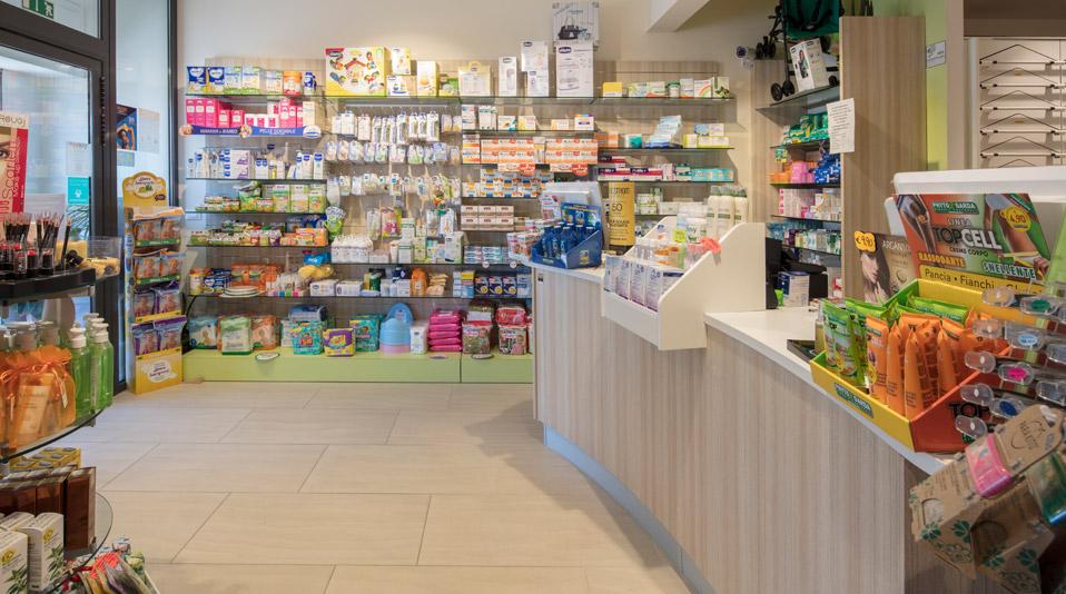 Farmacia il circolino isola d 39 elba for Arredo farmacia usato