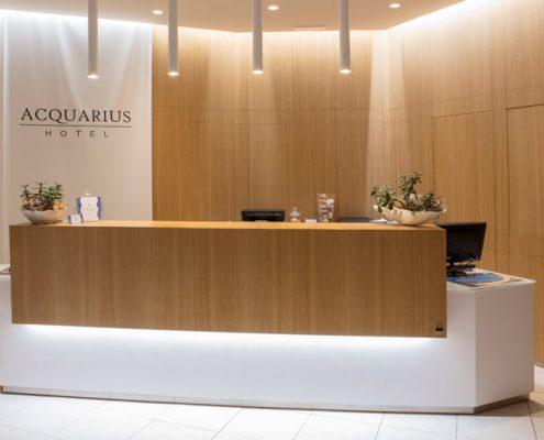Arredamenti per hotel alberghi e centri benessere for Mobili per reception