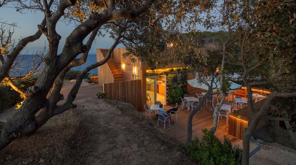 Arredamento prodotto per bar ristorante reef spiaggia for Arredamento per bar ristorante