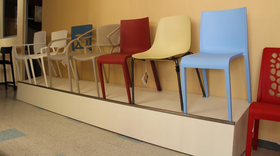 Outlet di sedie e sgabelli usati per locali pubblici - Sedie per ufficio usate ...