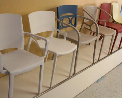 Arredamento usato per negozi e locali pubblici - Subito it tavoli e sedie usate ...